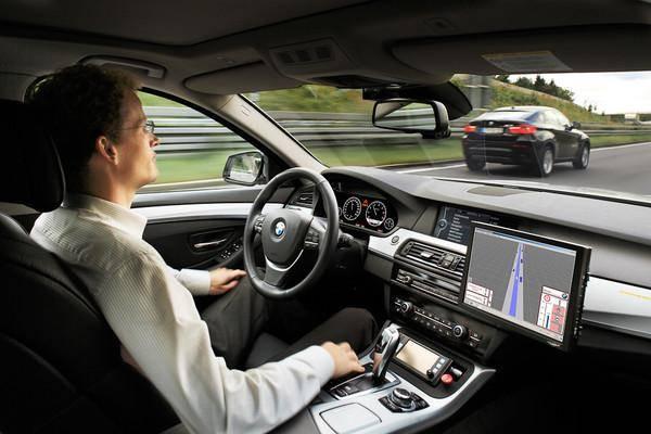 Автомобили Volvo открываются смартфоном