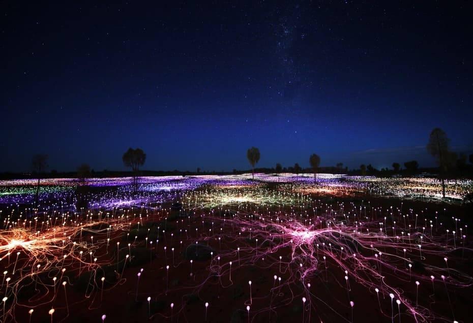 Световая инсталляция из 50 000 светодиодов