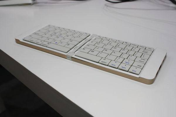 Мини-ПК в формате складной клавиатуры