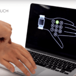 21459 Технология превращает кожу руки в тачскрин