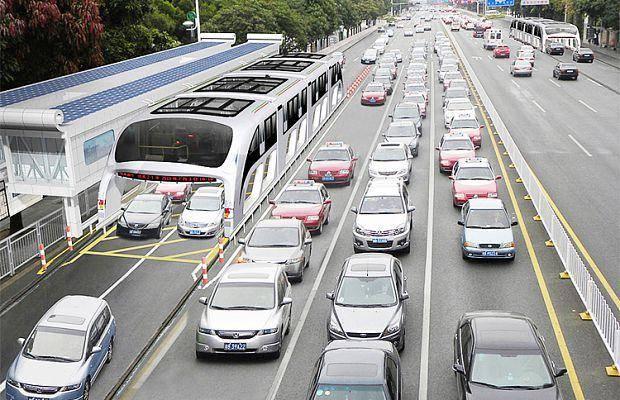22317 Китайцы испытали автобус, движущийся над автомобилями