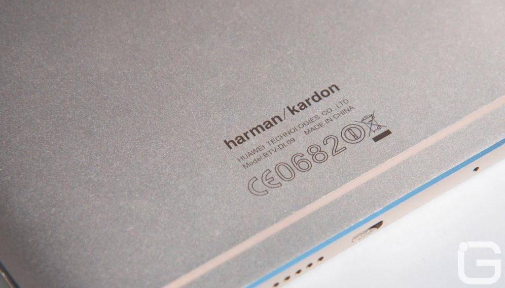 39574 Обзор Huawei MediaPad M3: громкий и тонкий