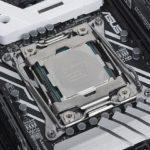 40581 Дорогой процессор Intel Core i9-7900X нуждается в дополнительном охлаждении (3 фото)