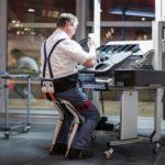 40557 Экзоскелет-стул для эффективной работы (9 фото)