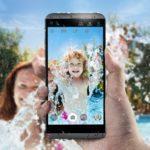 40909 LG Q8: музыкальный водонепроницаемый смартфон с двумя дисплеями