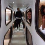 40647 Путешествие с комфортом: в Америке курсируют автобусы с кроватями (7 фото)