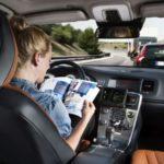 41231 Самоуправляемые автомобили обманули наклейками (5 фото)
