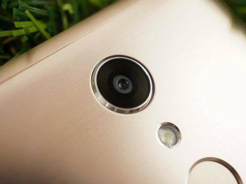 Обзор сматрфона BQ Strike Selfie Max