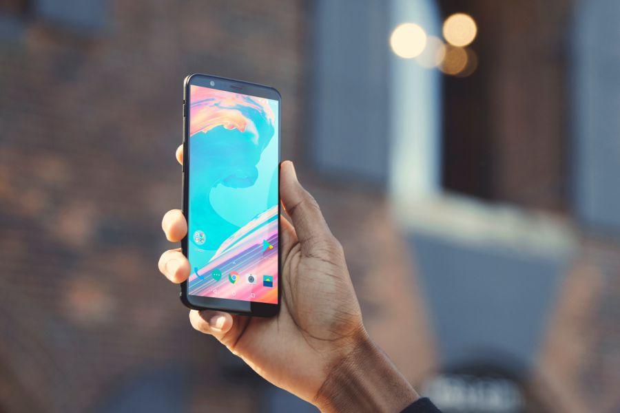 44438 OnePlus 5T доступен для покупки в России