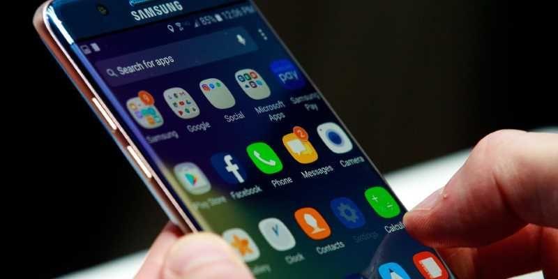 Samsung обвиняют в преднамеренном замедлении своих смартфонов