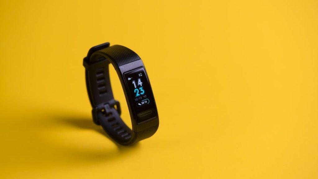 Описание фитнес-браслета Huawei Band 3 Pro