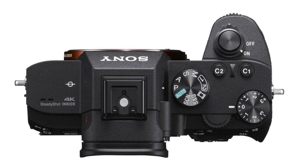Описание беззеркальной фотокамеры Sony A7R III