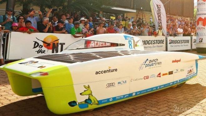 В Австралии стартовали гонки машин на солнечных батареях (27 фото + 2 видео)