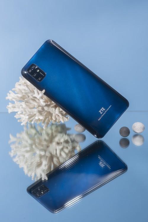 62030 Смартфон ZTE Blade V2020 Smart получил дисплей размером 6,82 дюймов
