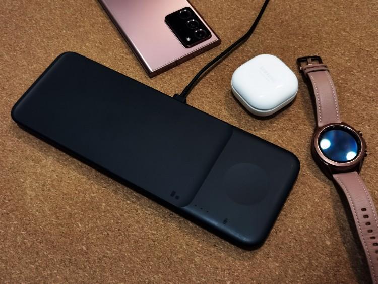 62447 Обзор Samsung Wireless Charger Trio. Порядочная беспроводная зарядка для трех устройства